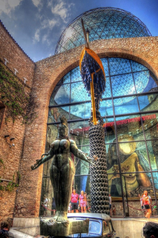 Museo Dali Figueres.Museo De Salvador Dali Figueres Spain By Jose Manuel Favorite