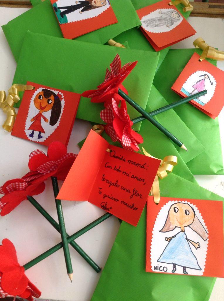Regalo del día de la madre con detalle de la tarjeta de felicitación. 1º E.P. Colegio Nuestra Señora Santa María. Madrid. España