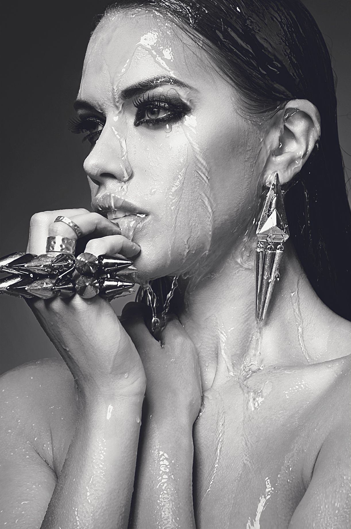 Urban decay urbandecay wet water model drenched soaked beautiful bw blackwhite black white jewellery waterproof makeup
