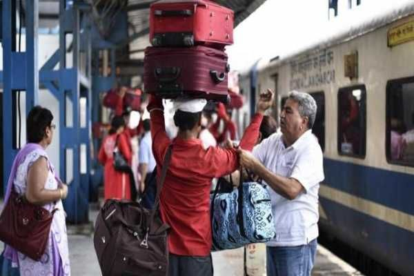 Photo of Railway Passengers With Excess Baggage | Luggage Rules In Train