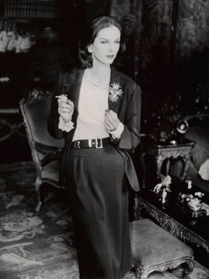 Proof That Coco Chanel S Designs Are Relevant As Ever Fashion Vintage Clothes Shop Classic Dress