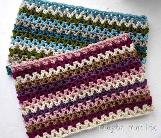 Free Pattern To Make This Quick Striped Crochet Cowl Cute And Easy