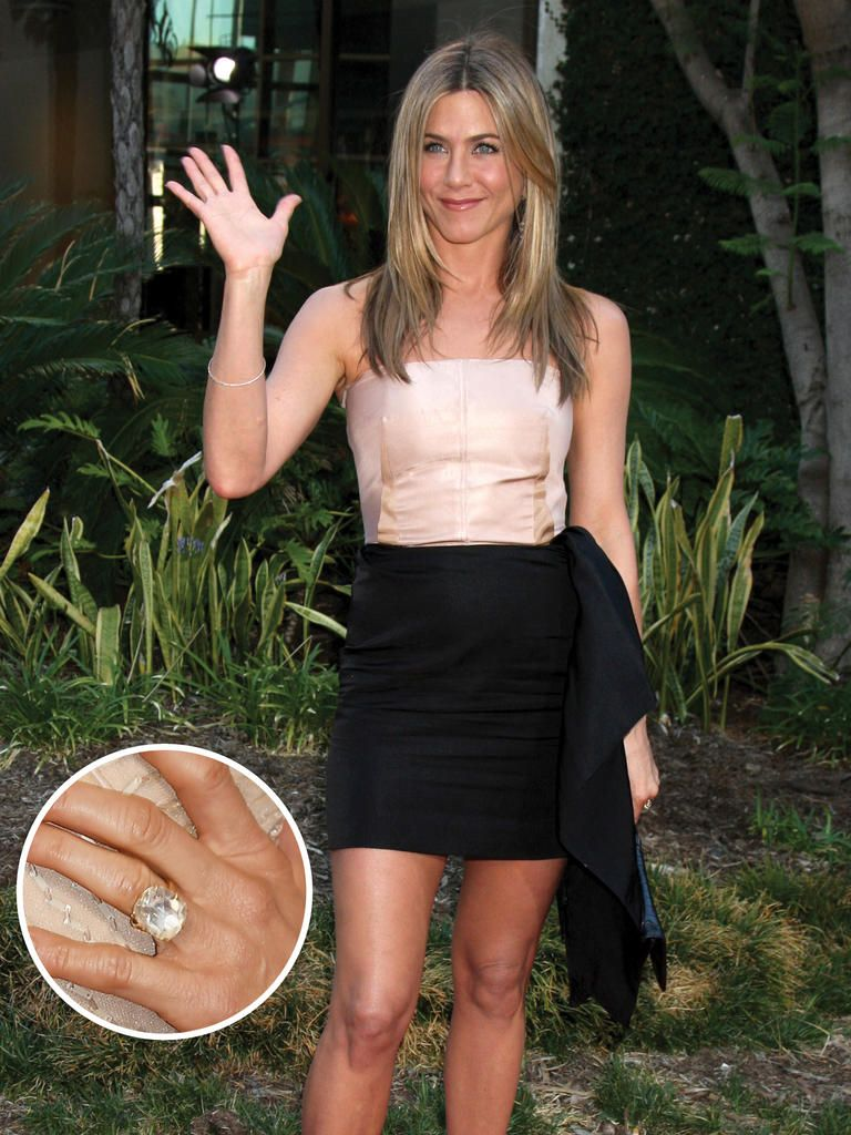 10 Most Famous Engagement Rings In History: #8 Jennifer Aniston: Radiant
