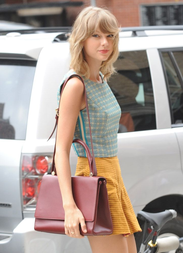 Taylor Swift with Max Mara J Bag  951a215678cd8