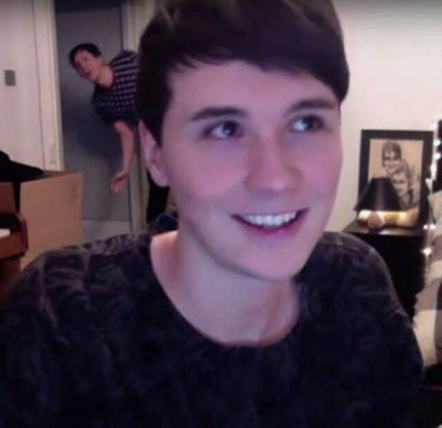 aww the way he looks when phil comes in i'm DEAD