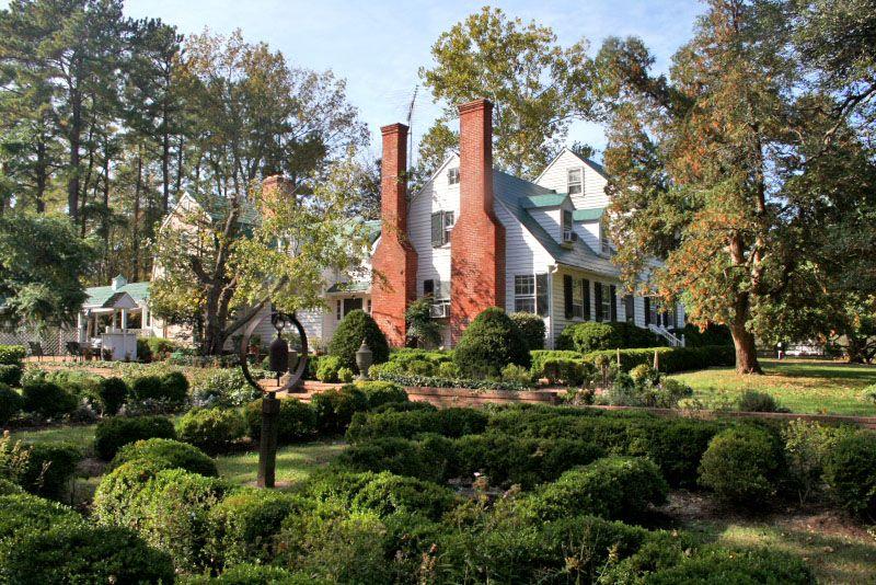 Historic Huntingfields Manor c.1670 in Calvert County, MD