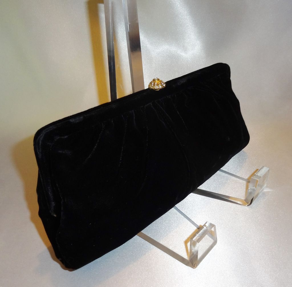 8d0ea73ad400 Vintage Black Velvet Clutch by Bobbie Jerome