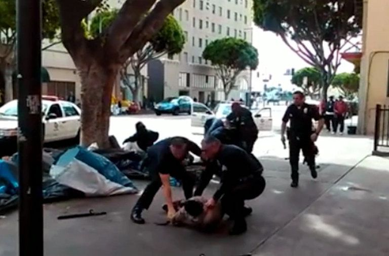 Video Shows Los Angeles Police Shooting Police Officer Shot Homeless Man Police