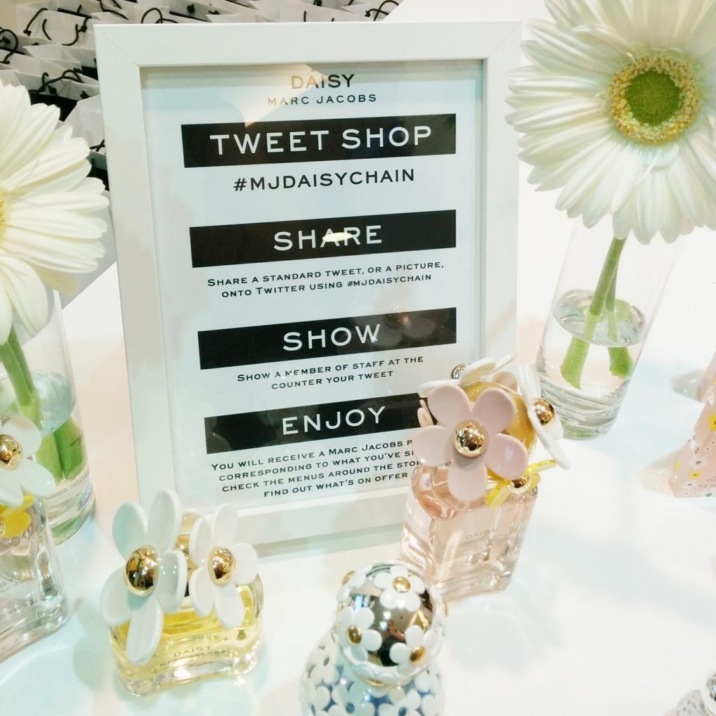 Daisy Marc Jacobs Tweet Shop   Events   Pinterest