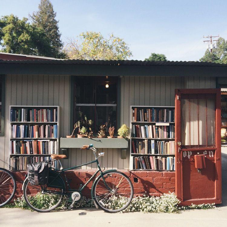 outdoor reading | Coffee shop, Outdoor, Exterior