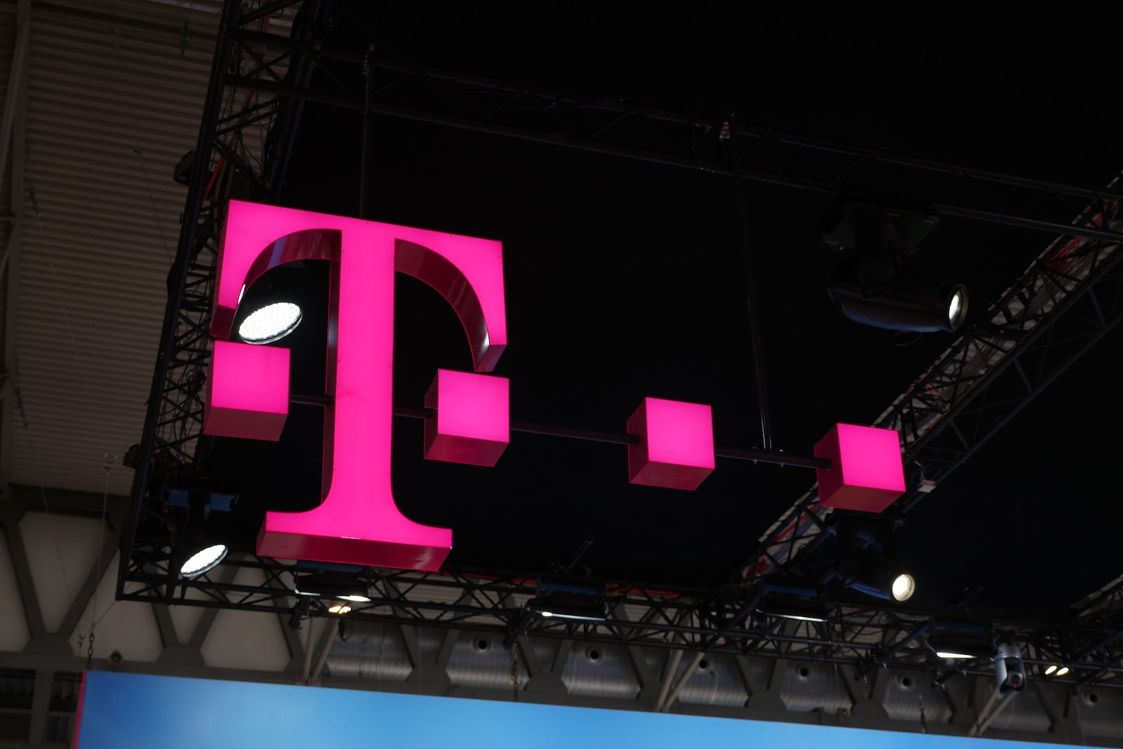 All T Mobile Customers Get Unlimited Data 20gb Mobile Hotspot For Two Months In 2020 Mobile Hotspot Cricket Wireless Tv Services