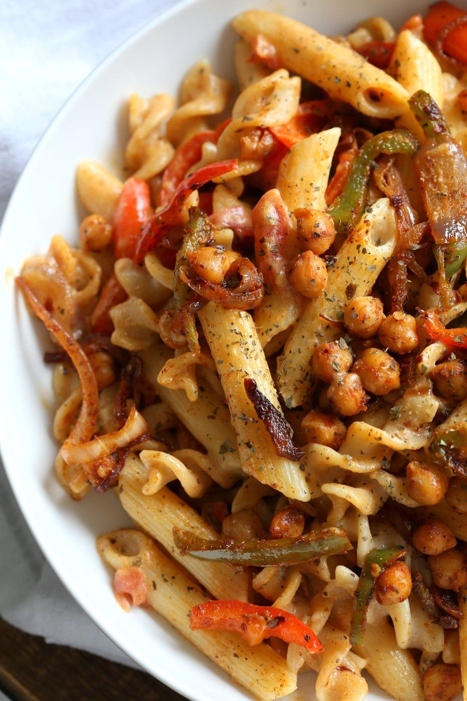 Vegan Fajita Pasta With Chickpeas And Peppers