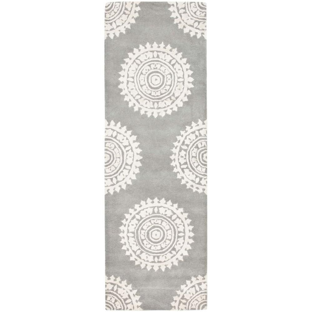 Soho Light Grey Ivory 2 Ft 6 In X 22 Ft Runner Products Rugs