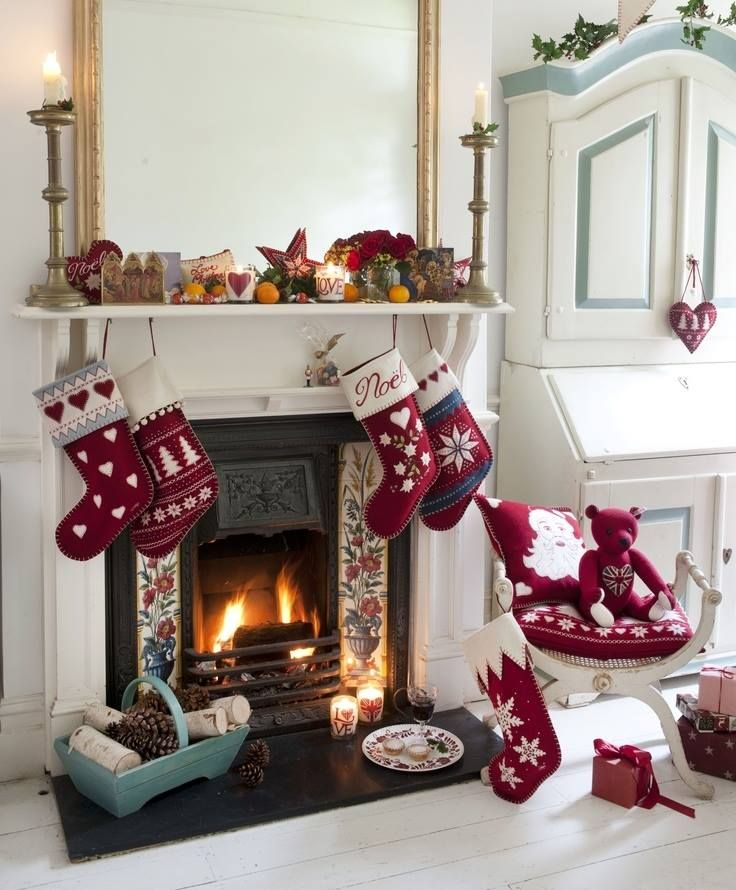 Colt De Camera Cu Semineu Decorat Poze De Craciun Christmas