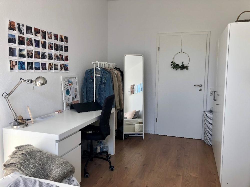 Mobliertes 13 Qm Zimmer In Netter 3er Wg Zentral Wg Zimmer In Mannheim Innenstadt In 2020 Zimmer Einrichten Jugendzimmer Wg Zimmer Zimmer