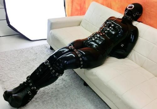 Pin By On Latex Heavy Rubber How To Wear
