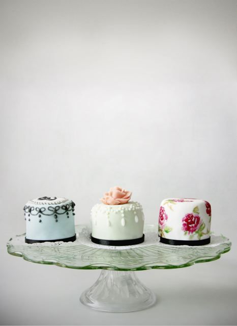 bake-a-boo: Vintage Inspired Mini Cakes