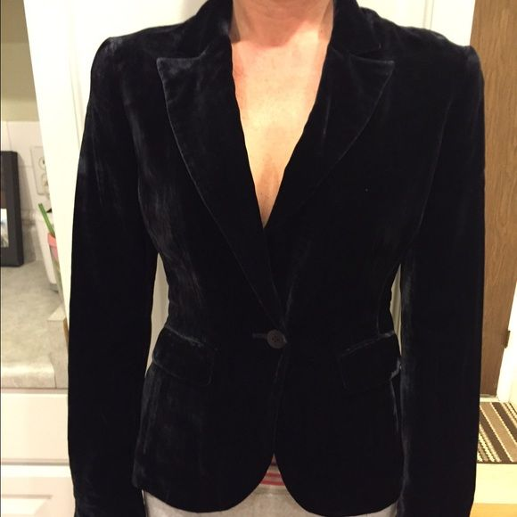 Kenneth Cole Black Velvet Blazer -NWT's Size 8 Brand new w/tags Kenneth Cole black velvet blazer. This retails for $248! And I don't have to tell you fashionistas how velvet is so in this year! This is a size 8 but could fit a 4 or 6. It does run a bit small. Please let me know if you have any questions. Check out my bundling discounts for better prices. I will accept very reasonable offers.. Happy Poshing!  Kenneth Cole Jackets & Coats Blazers