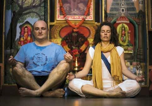 ¿Sabes que es un Ashrams? En su  viaje a India lo conocerá.. Un artículo para conocer un poco mas esta parte del hinduismo y su formación espiritual. Visite nuestra pag. http://viajesaindia.org/index.html