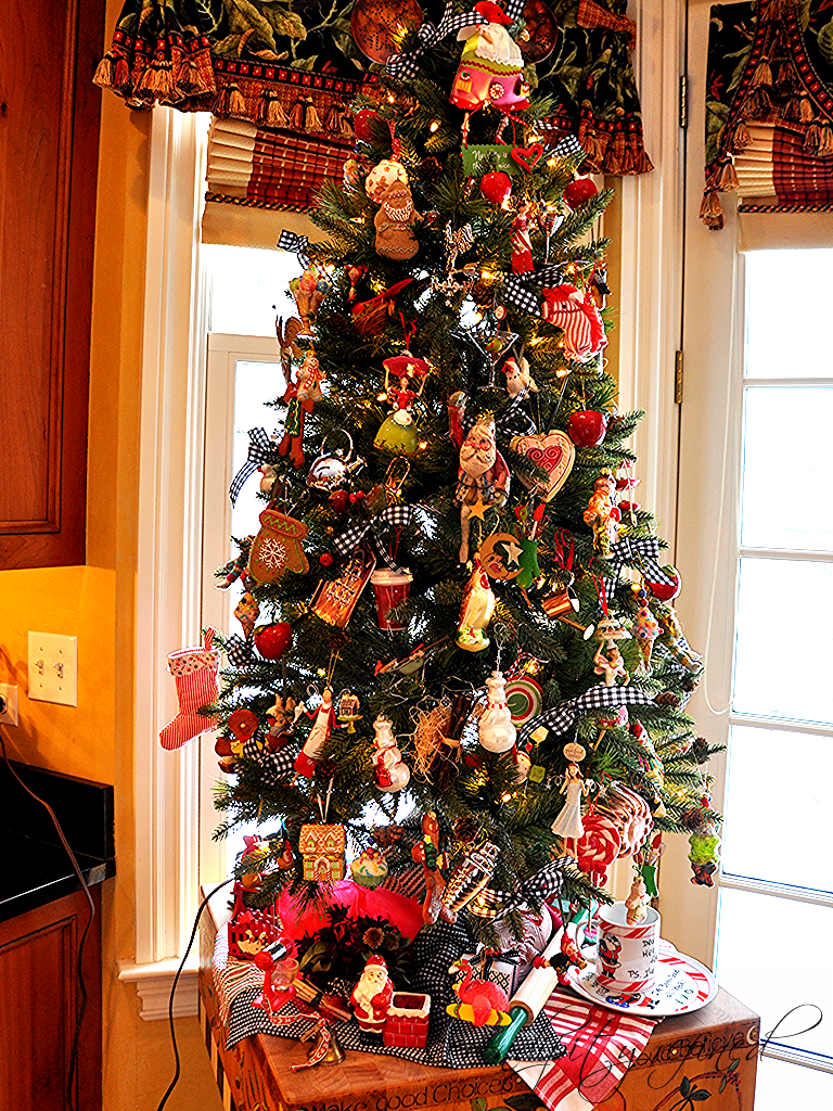 Kitchen Christmas Tree by Serendipity Refined