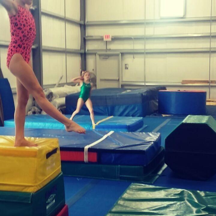 "30 tykkäystä, 1 kommenttia - Meredith Kathleen Miller (@meredoo17) Instagramissa: ""New level 4s vault practice today. A few of my #favorite drills. @vizionathletix…"""