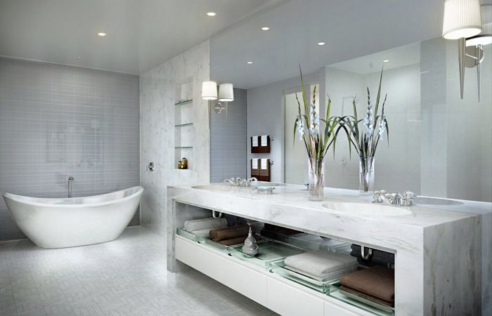 Witte marmer badkamer - inspiring bathrooms | Pinterest - Badkamer ...