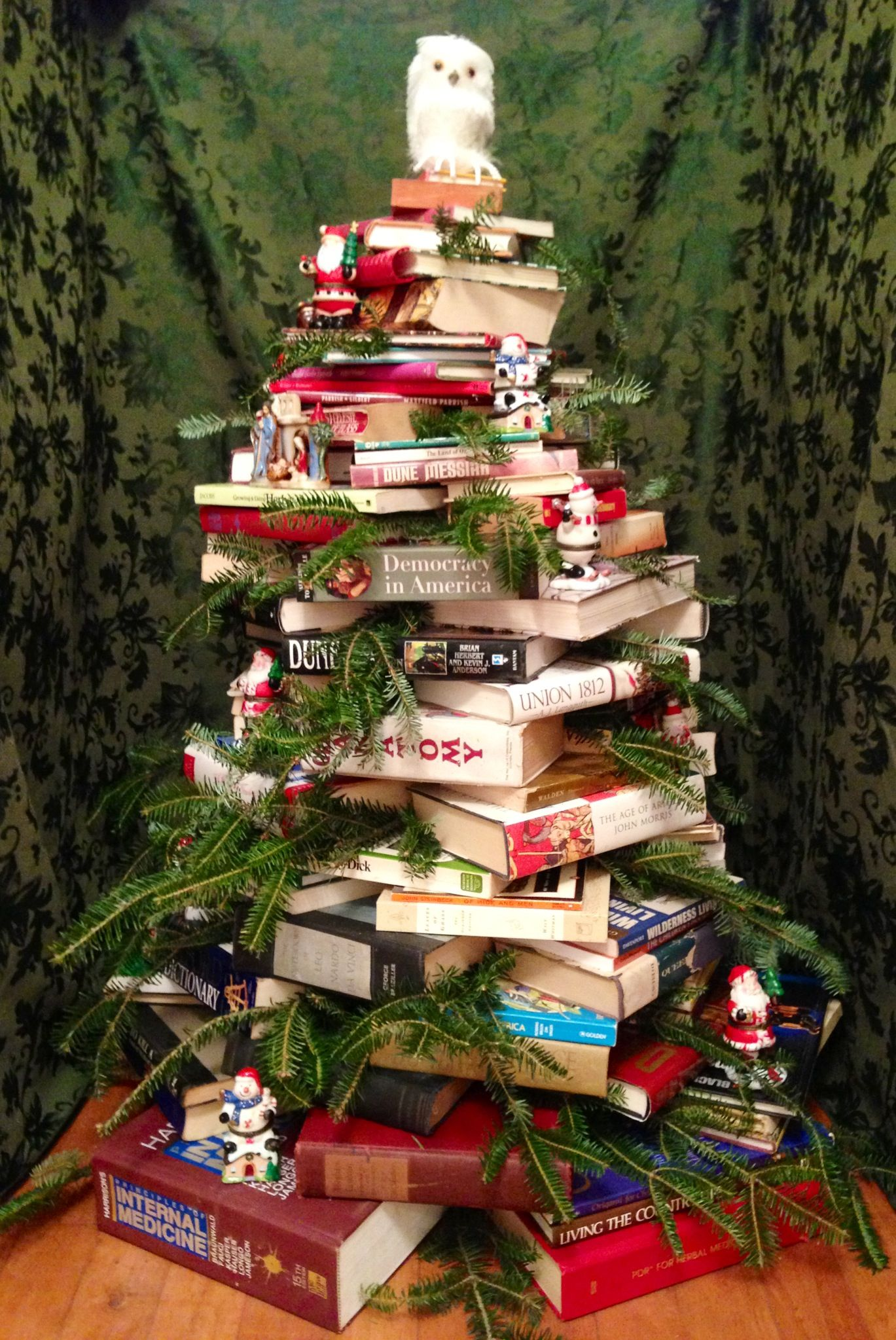 Book tree with owl topper. Book tree, Book christmas