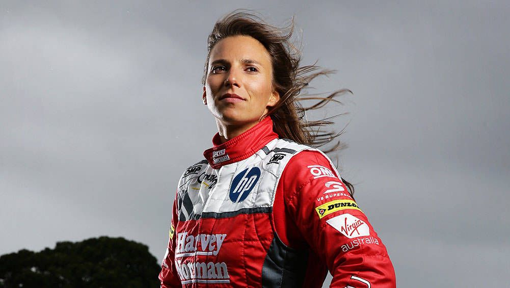 Simona De Silvestro B 1988 Swiss Born Racing Car Driver Moved To The Usa At Age 18 In Order To Race Rookie Of The Y Female Race Car Driver Race Cars Female