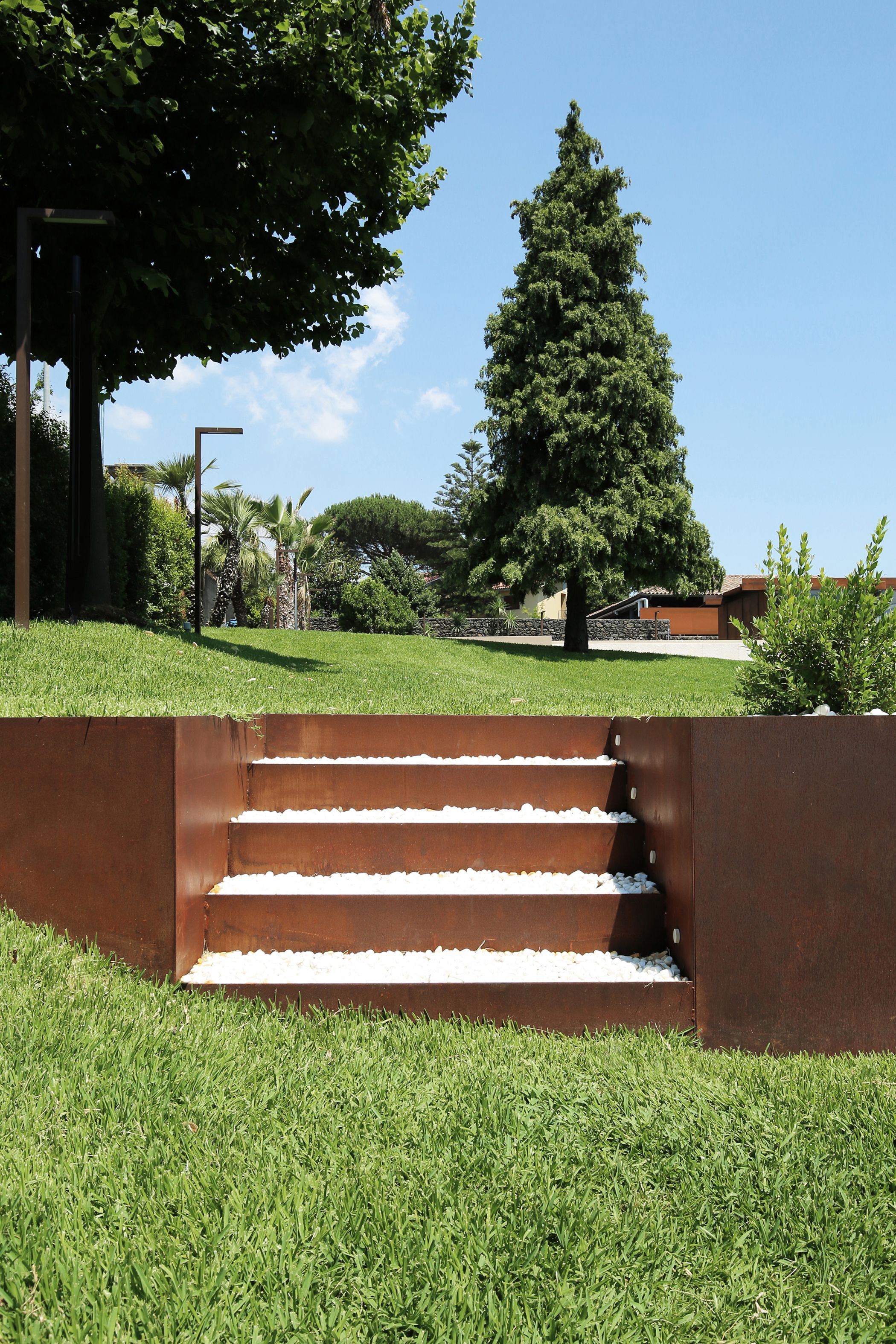 behutsame interaktion: umbau einer sizilianischen farm, Garten und erstellen