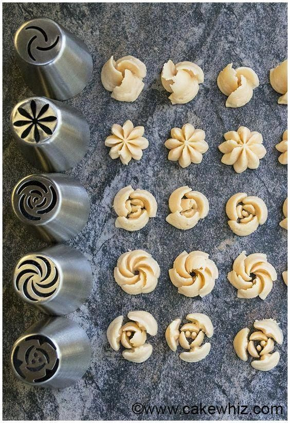 How to Make Buttercream Flowers (Russian Piping Ti