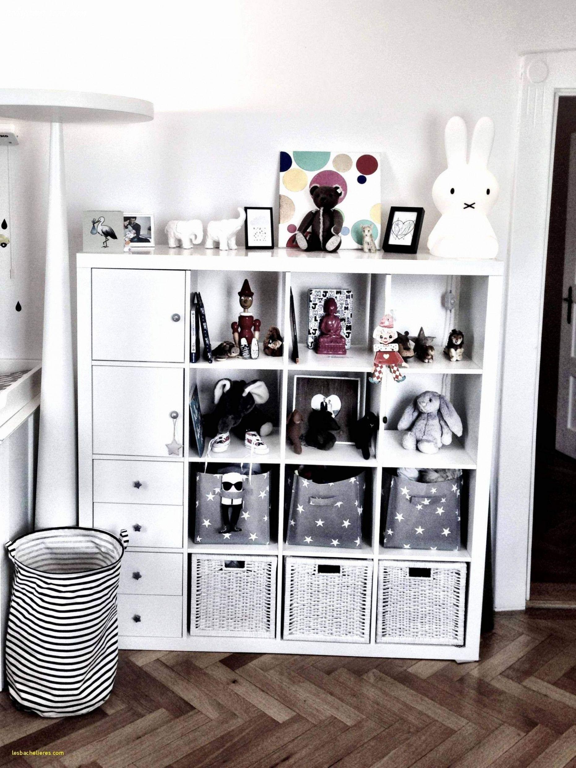 Ten Mind Numbing Facts über Wohnzimmer Regal Ideen in 10