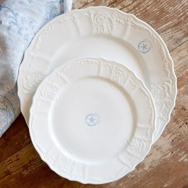 Each Dinner Plate Features A Texas Star Inspired Prairie Logo At The Rim Shabby Chic Dinnerware Rachel Ashwell Shabby Chic Couture Rachel Ashwell Shabby Chic