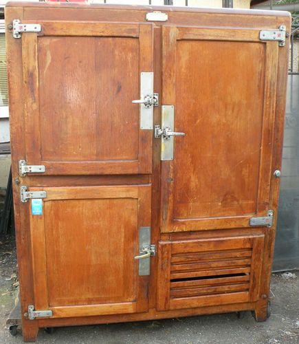 Ancien frigidaire glaciere frigo chene armoire refrigerante annee 50 60 for the home - Meuble pour frigo ...