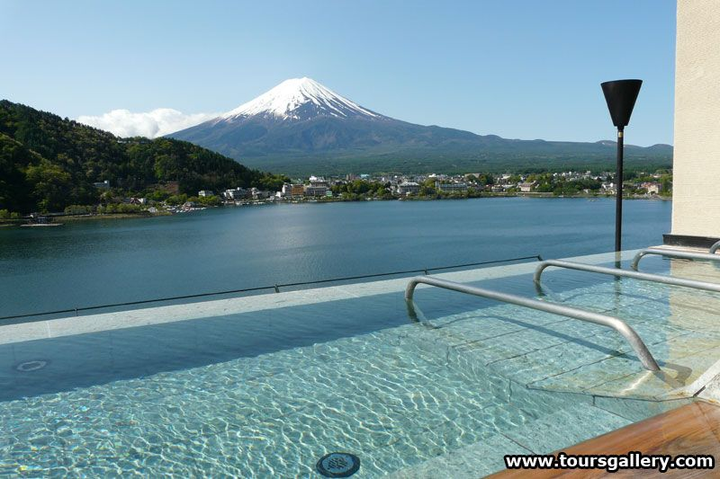 Hot spa bath on rooftop of our hotel overlooking Mt Fuji. Toursgallery escorted small group tours to Japan.