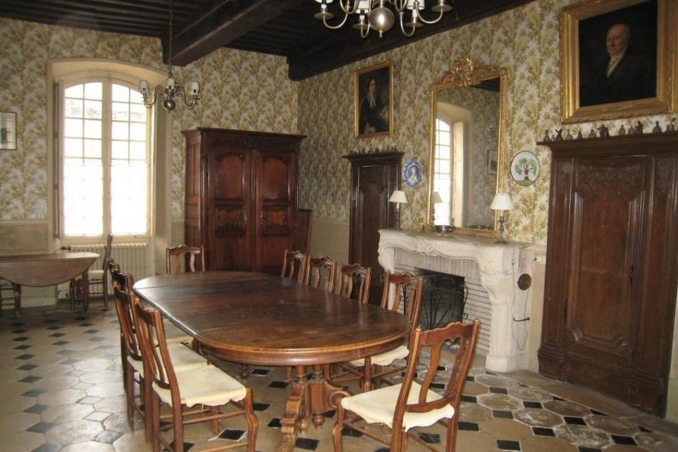 vente, Maison / Villa, 325m², 15 Pièces, Montbard.