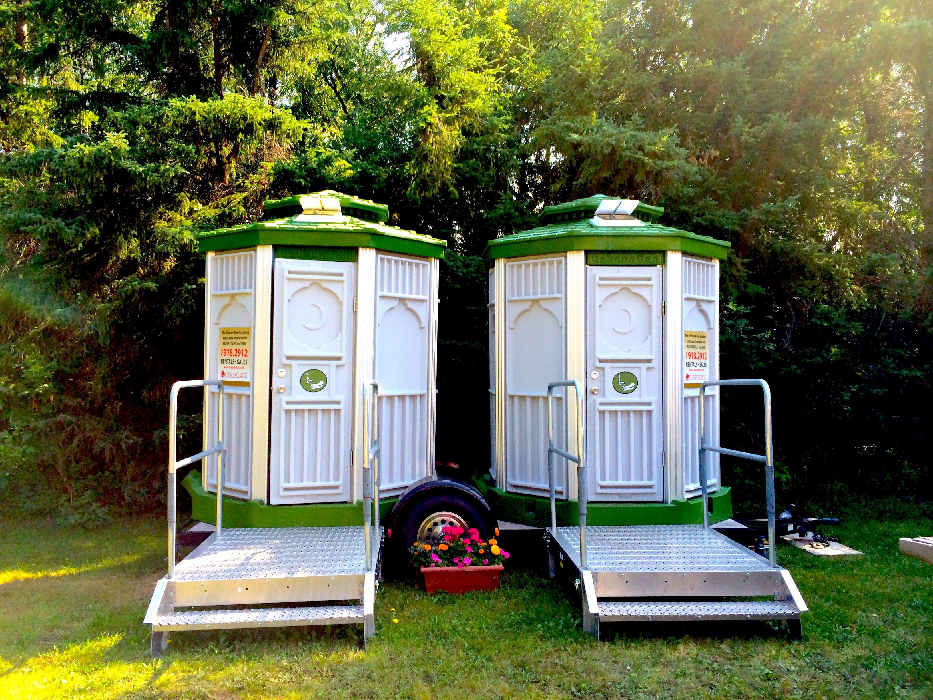 CabanaCan Backyard Wedding Aug 2014 Portable toilet