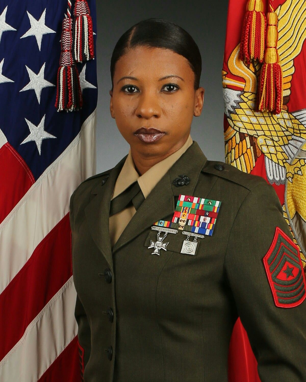 Pin By Leonard Williams On Semper Fi Military Women Female Marines Army Women [ 1500 x 1200 Pixel ]