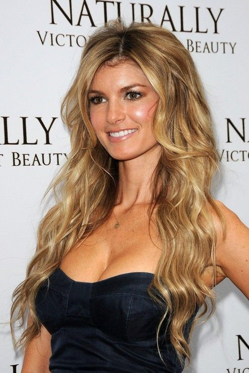 Sexy Center Parted Hairstyle: Long Blonde Waves with Balayage ...