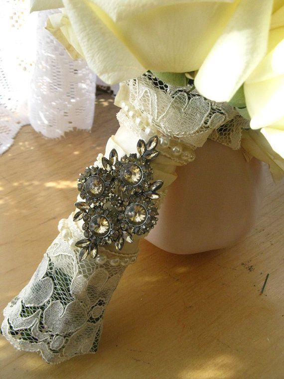 Ivory Lace Bouquet Wrap by Magnolia West Event Accessories