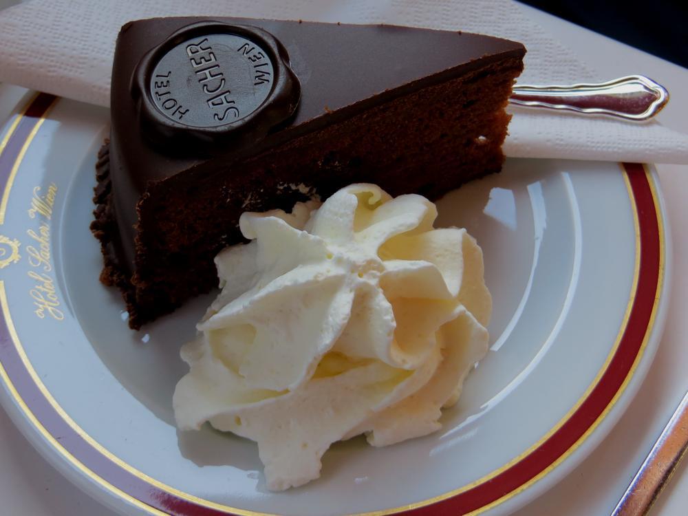 Dónde Comer En Viena 10 Restaurantes Recomendados Tarta Sacher Ingredientes De La Torta Torta Sacher