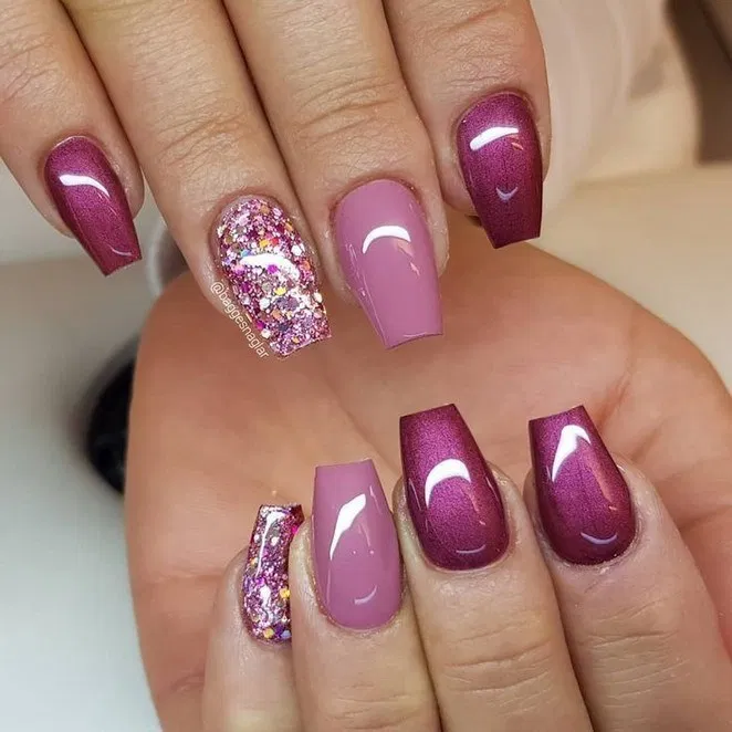 55 Trendy Fall Dip Nails Designs Ideas That Make You Want To Copy Page 35 Homedable Com In 2020 Glitter Gel Nails Glitter Gel Nail Designs Coffin Nails Designs