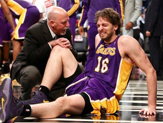 MRI results on Pau Gasol's right foot reveal partial tear of plantar fascia. He's expected to be out at least 6 weeks.