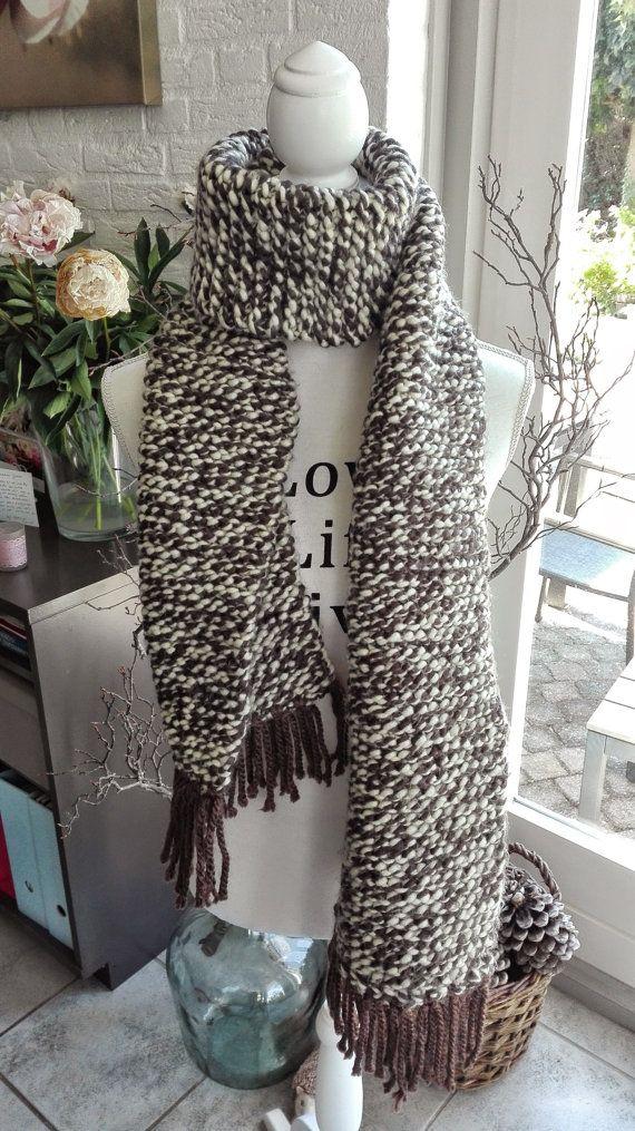 Warme gebreide sjaal van 100% acryl wol chunky door IzzysHandicraft