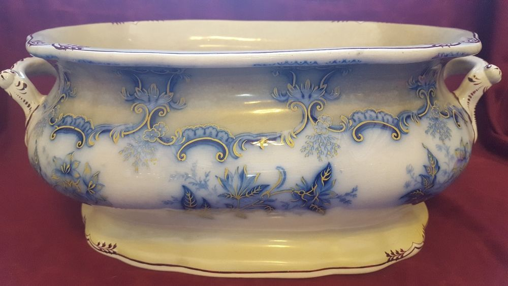 LARGE FANCY ANTIQUE VICTORIAN FLOW BLUE FOOT BATH 18\
