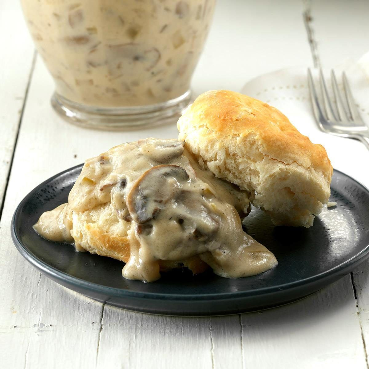 Mushroom Sour Cream Gravy Recipe In 2020 Cream Gravy Sour Cream Gravy Recipe Recipes