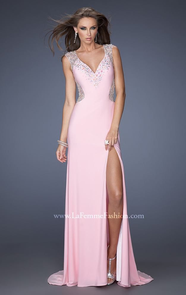 Look refined and timeless with La Femme 19941. This majestic gown ...