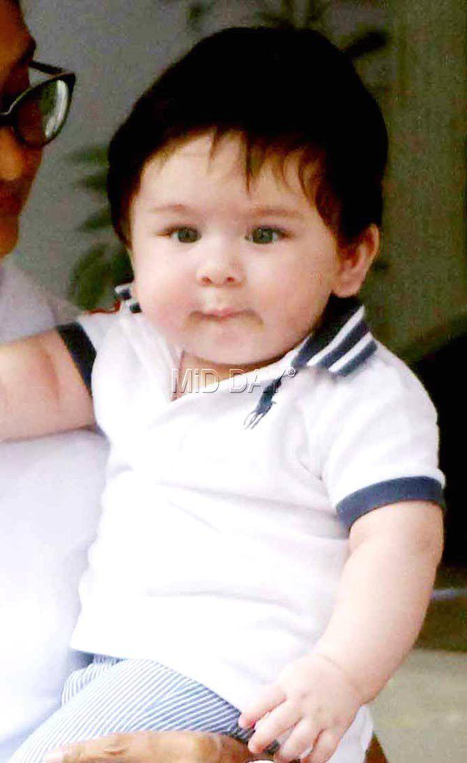 Photos Kareena Kapoor Khan S Son Taimur Is The Cutest Thing Ever Entertainment Bollywoodphotos Bollywoo Taimur Ali Khan Kareena Kapoor Baby Kids Dress Boys