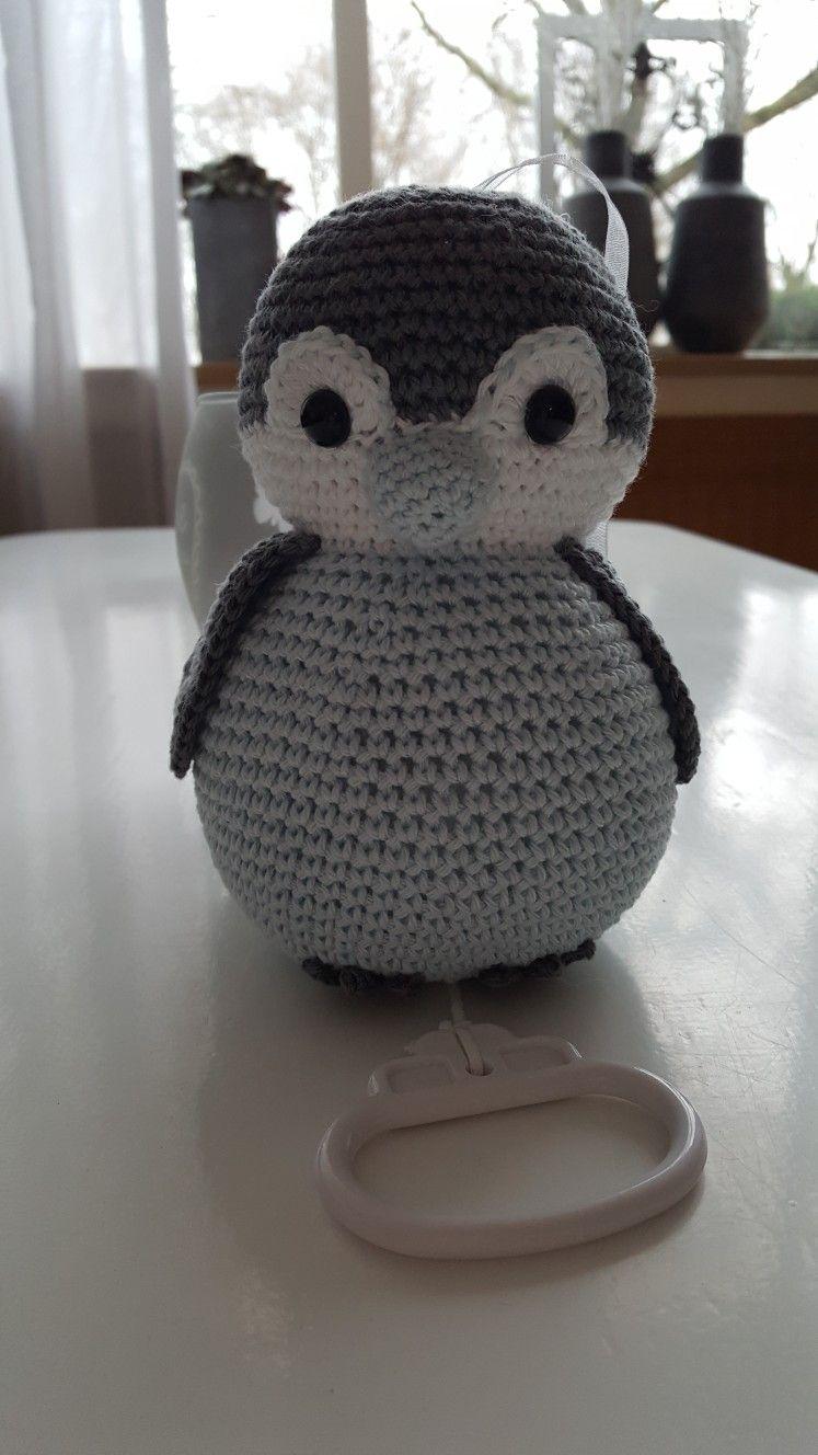 Muziekknuffel Pinguin Uit Het Boek Box Bed En Buggyspeeltjes Haken