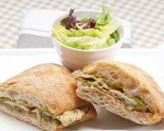 Ciabatta au poulet : http://www.cuisineaz.com/recettes/ciabatta-au-poulet-67216.aspx