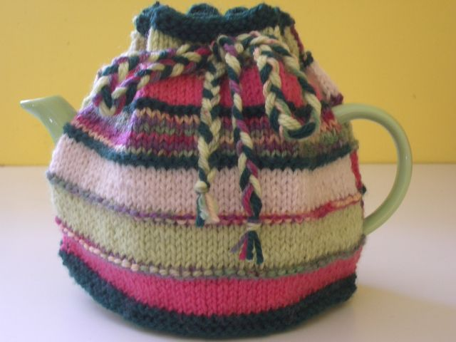 Free patterns cosy tea cozy and teas tea cozy for mothers day tea cozytea cosy patternfree patternknitted dt1010fo